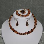 Parure complète perles et swarovski     35€