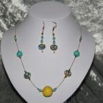 Parure jaune et bleu, perles en céramique   25€